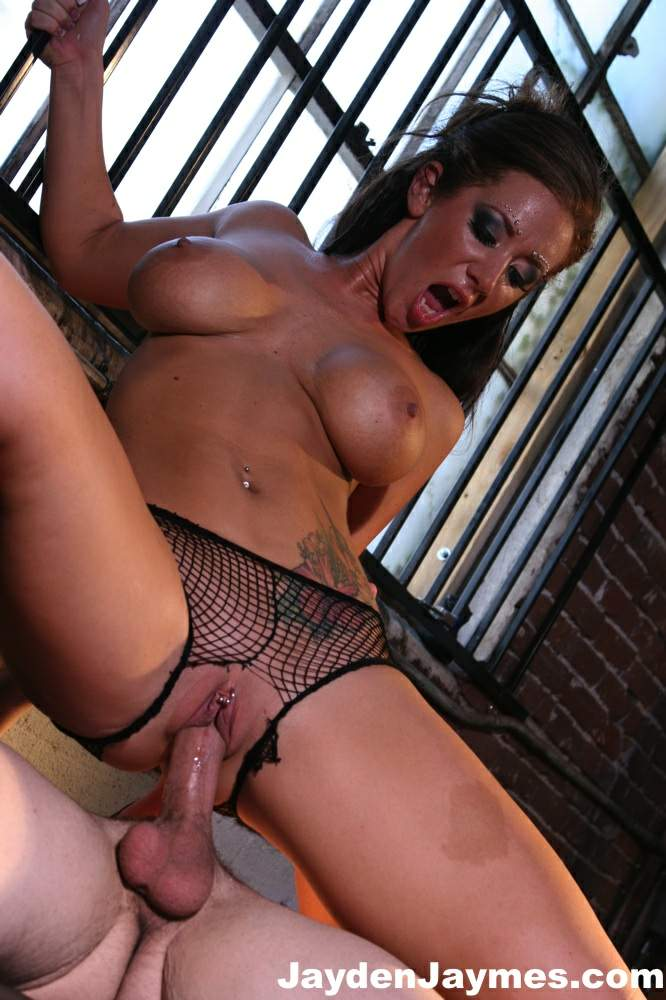 Alley bagget free nude pic