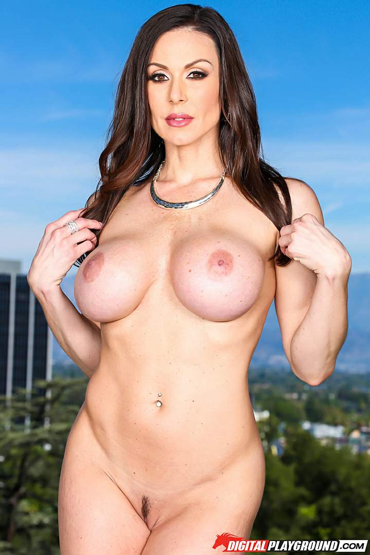 kendra lust free pictures and biography at the sexbomb