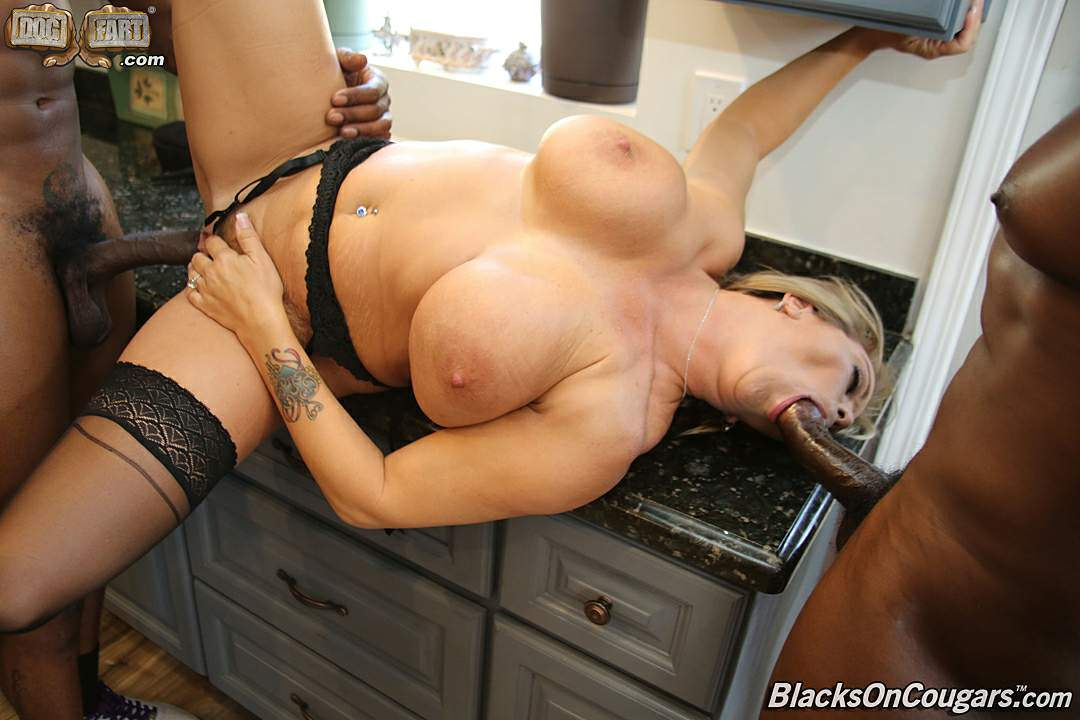 Amber lynn bach hot maid gives handjob 8