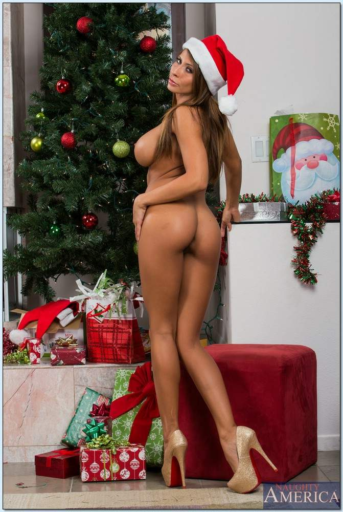 Babes merry christmas my love macy cartel - 1 part 1