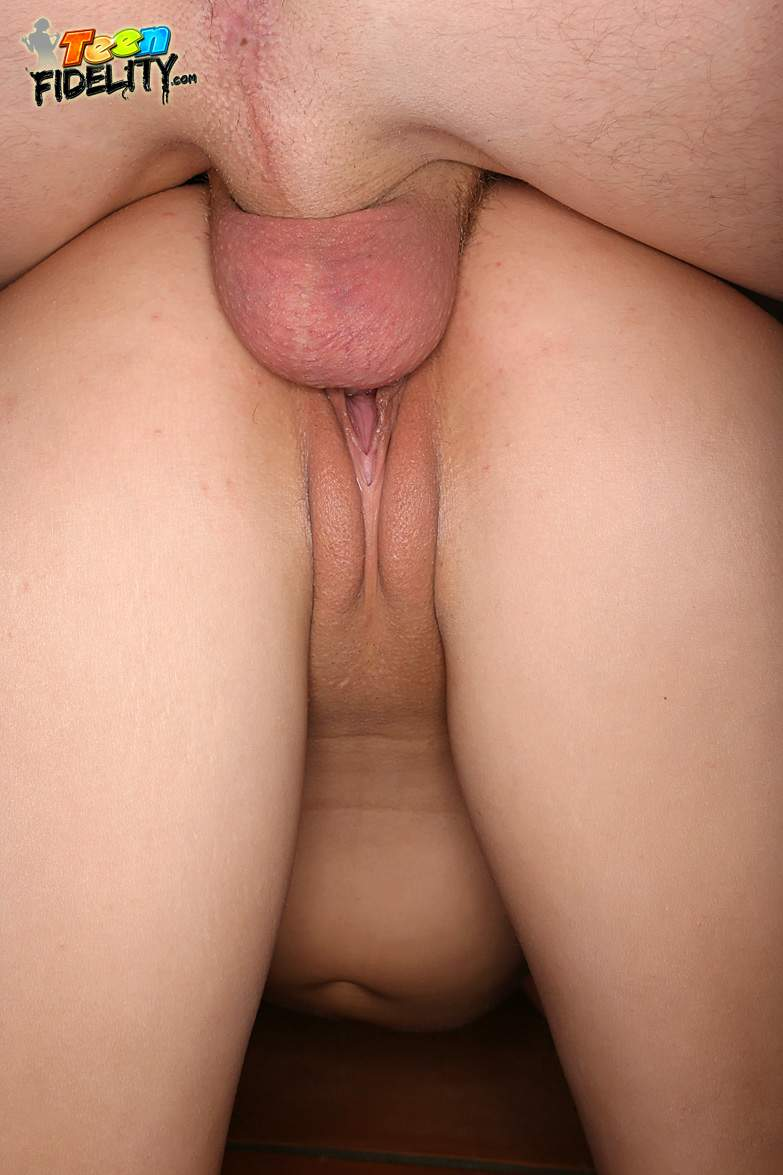 I fucked my hot gf quick while parents are sleep 6