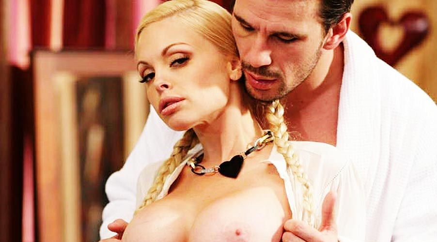 Blonde Porn Star Jesse Jane