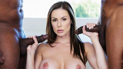 Busty Cougar Kendra Lust